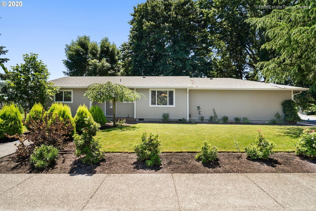 1802 SW Pine St McMinnville, OR 97128