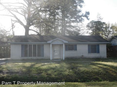 Photo of 304 Byck Ave, Garden City, GA 31408