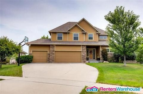Photo of 2771 Nw 150th St, Clive, IA 50325
