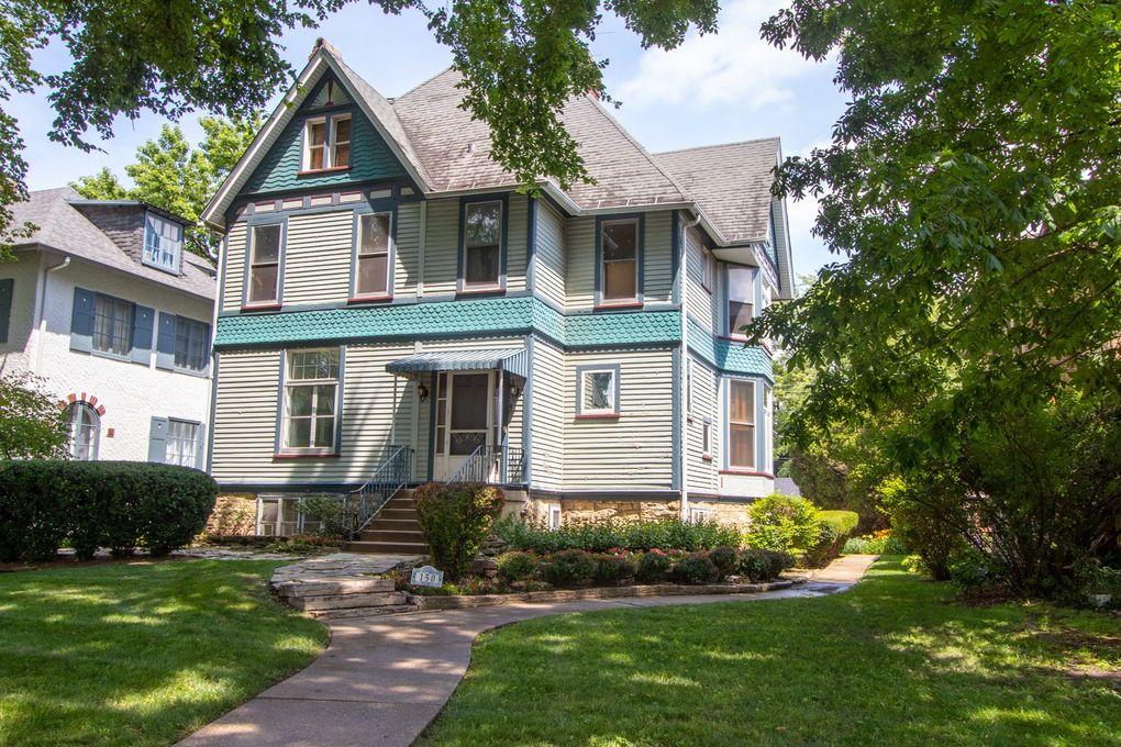150 N Elmwood Ave Oak Park, IL 60302
