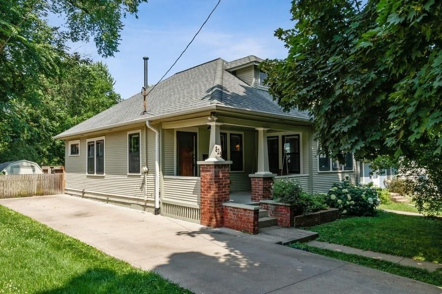 823 3rd Ave Iowa City, IA 52245