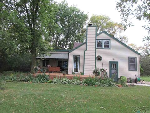 Photo of 22937 437th St, Howard, SD 57349