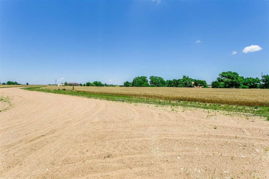 2105 N 331st St W Garden Plain, KS 67050