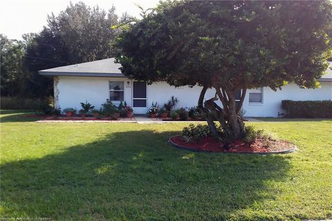 Photo of 3255 Country Hill Rd, Sebring, FL 33872