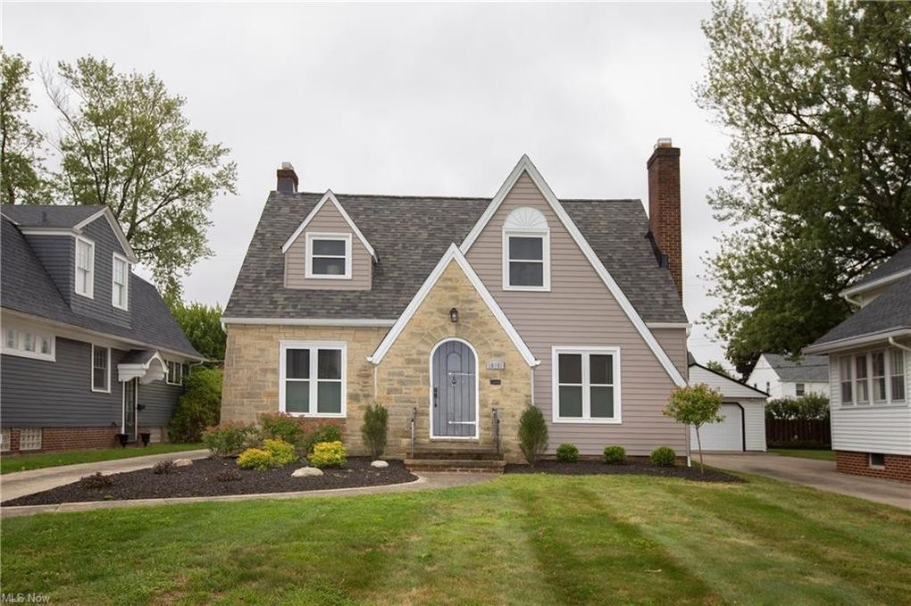 19351 Laurel Ave Rocky River, OH 44116