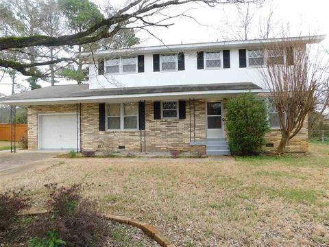 Photo of 309 Meadowbrook Dr Se, Huntsville, AL 35803