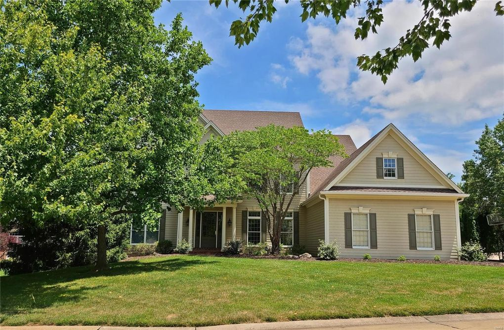 17503 Country Lake Estates Ct Chesterfield, MO 63005