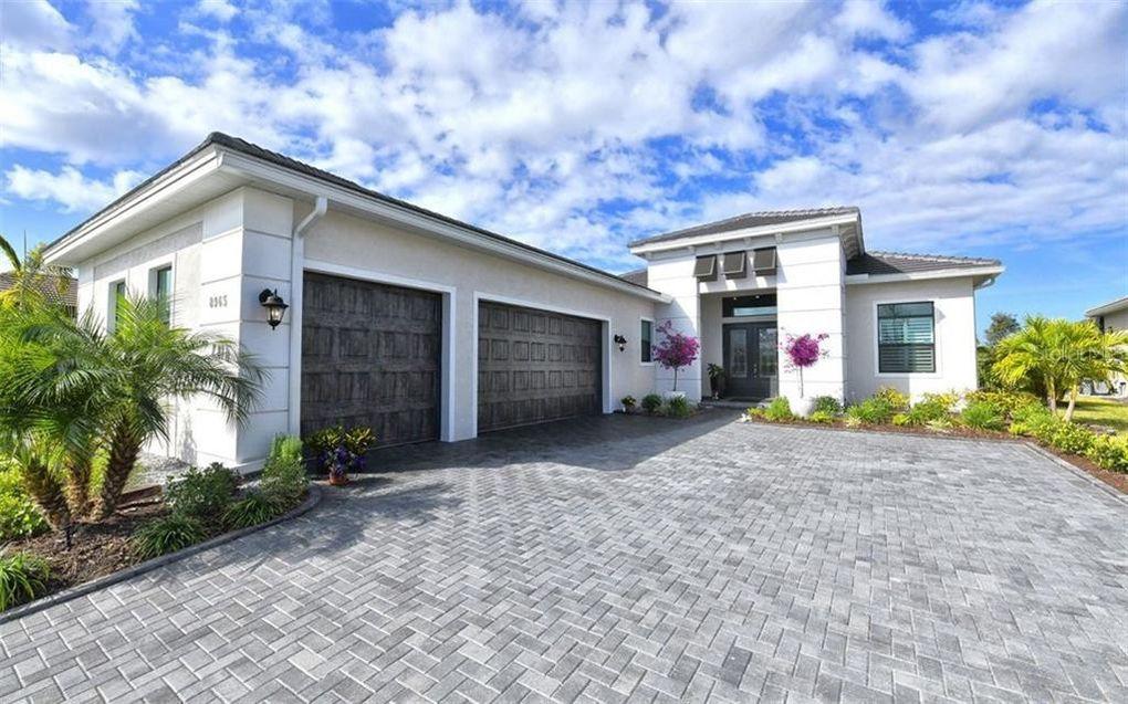 8965 Bernini Pl Sarasota, FL 34240