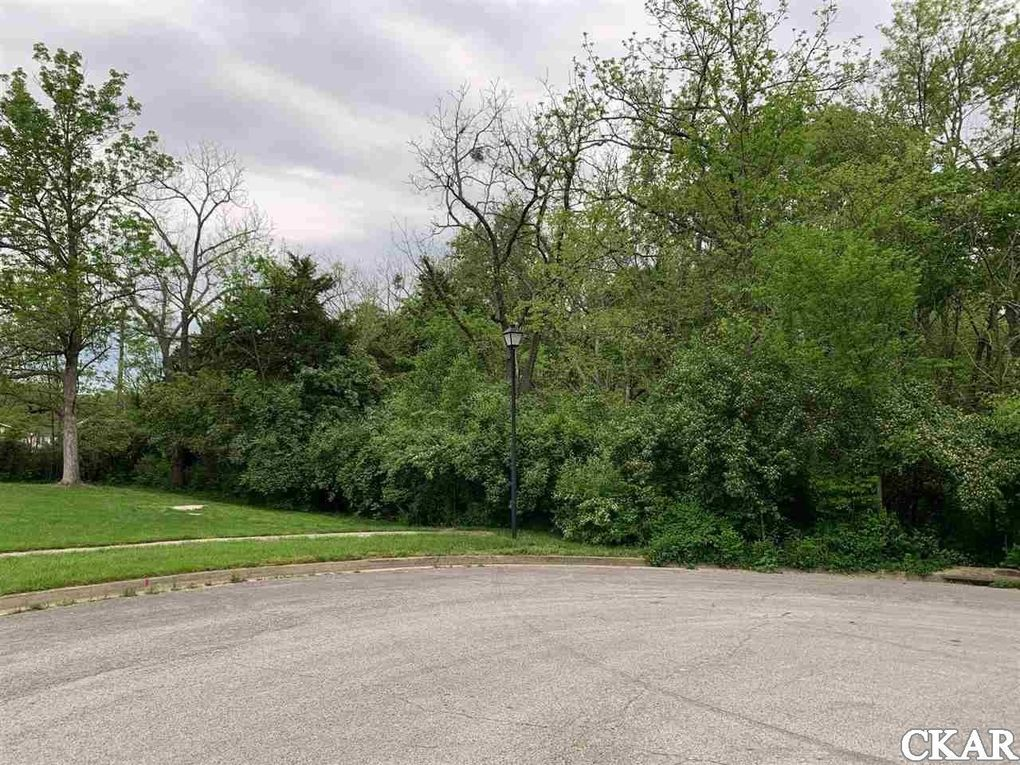 101 Colonial Way Unit Section 6 Williamsburg Grn Lot 16 Danville, KY 40422
