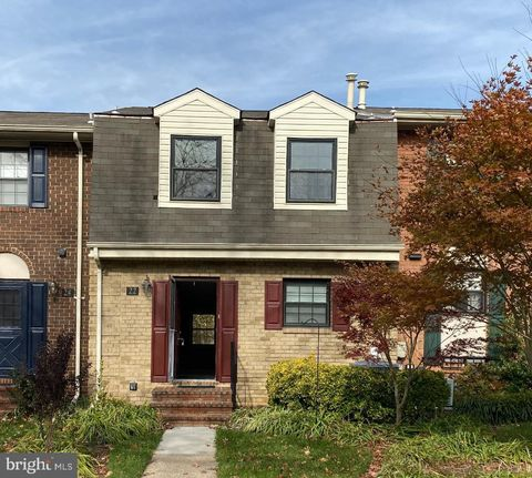 Photo of 22 Bardeen Ct, Towson, MD 21204