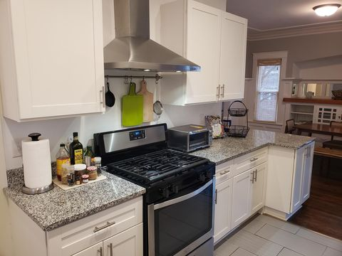 Photo of 3559 N Frederick Ave, Shorewood, WI 53211