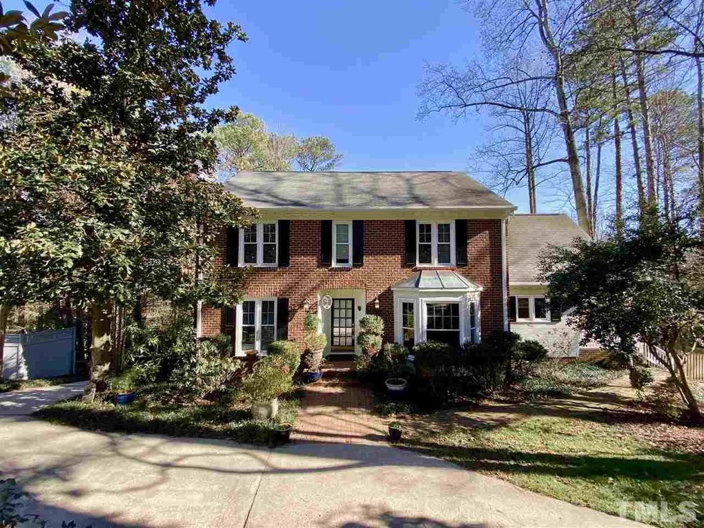 6904 Valley Ridge Ct Raleigh, NC 27615