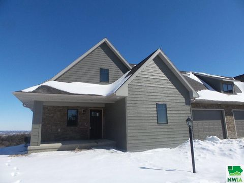 Photo of 231 Hide-way Dr, Crofton, NE 68730