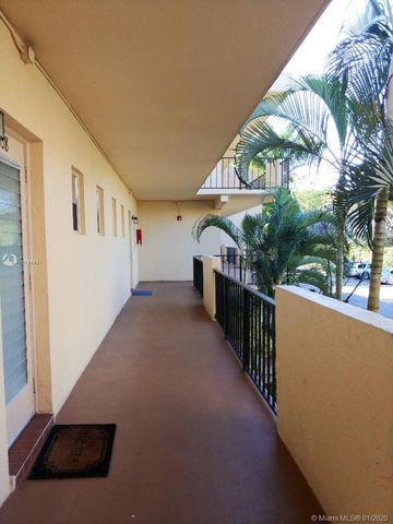 Photo of 300 Berkley Rd Apt 210, Hollywood, FL 33024