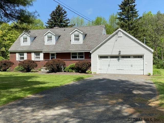 127 Glass Lake Rd Averill Park, NY 12018