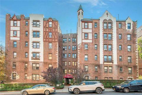 Photo of 312 Main St Apt 4 B, White Plains, NY 10601