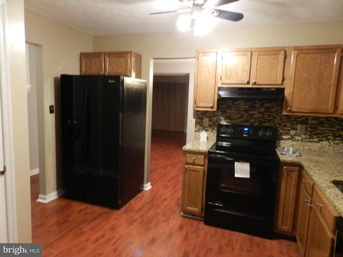 Photo of 1640 Deep Gorge Ct, Oxon Hill, MD 20745