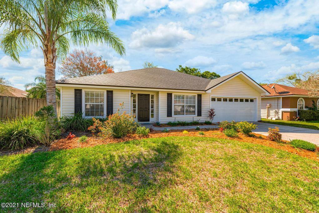 746 Hickory Manor Dr Jacksonville, FL 32225