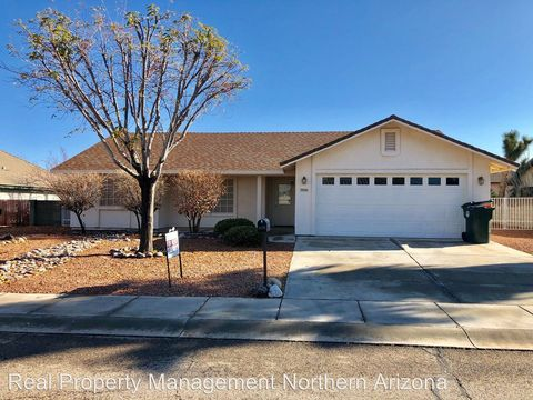 Photo of 3930 N Eagle Rock Dr, Kingman, AZ 86409