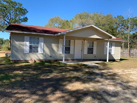 Photo of 118 James Ct, Defuniak Springs, FL 32433