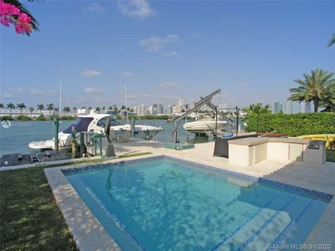 Photo of 224 S Coconut Ln, Miami Beach, FL 33139