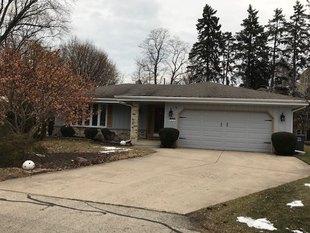 <div>3305 Kensington Ct</div><div>Elmwood Park, Wisconsin 53405</div>
