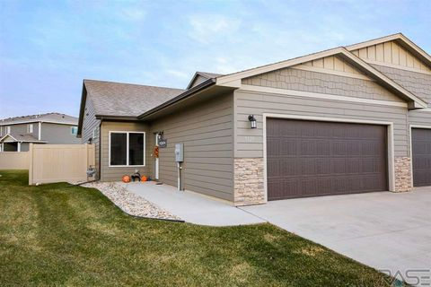 Photo of 5427 S Seville Pl, Sioux Falls, SD 57108