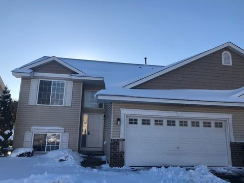 Photo of 415 Meadow Ln, Somerset, WI 54025