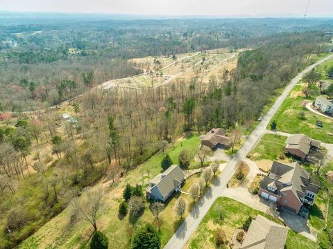 Photo of 338 S Mission Ridge Dr, Rossville, GA 30741