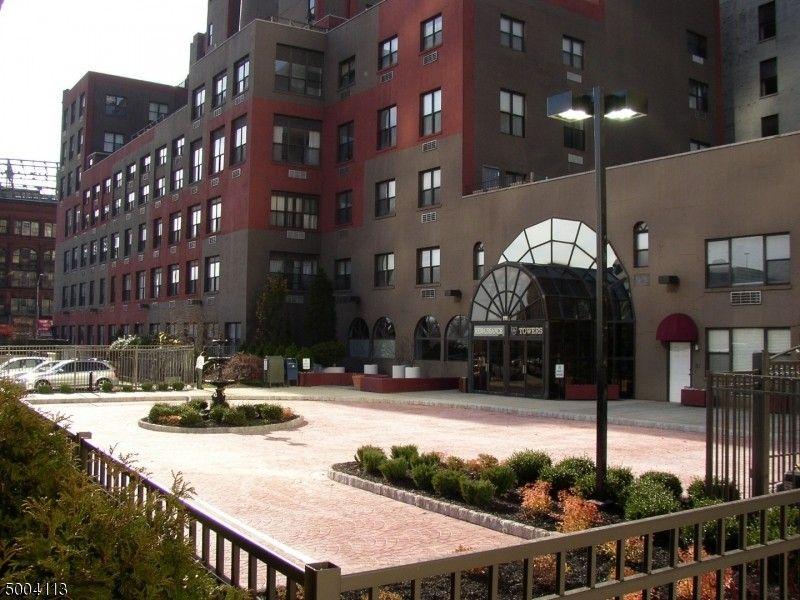 111 Mulberry St Apt 4G Newark, NJ 07102