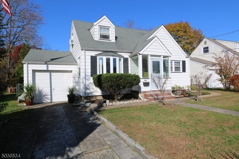 858 Pinewood Rd Union Twp, NJ 07083