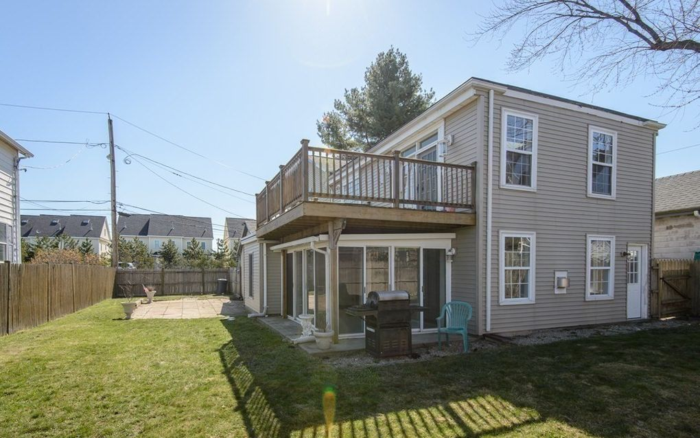 8 Hayes Ave Revere, MA 02151