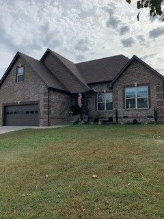 Photo of 203 St James Pl, Shelbyville, TN 37160