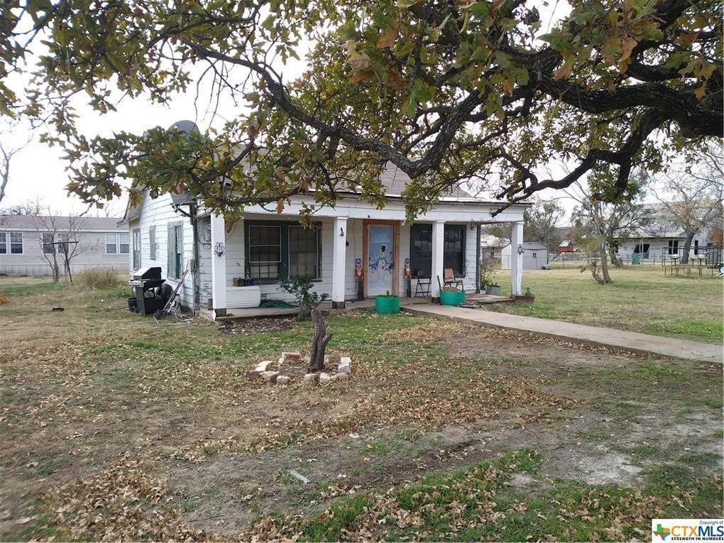 209 W Live Oak St Evant, TX 76525