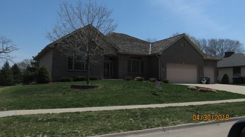 Photo of 4021 Greenview Dr, Urbandale, IA 50322