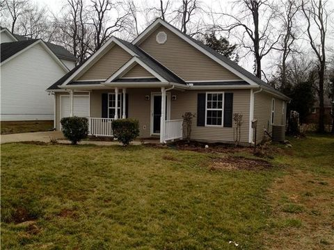 Photo of 245 Meigs Dr, Murfreesboro, TN 37128