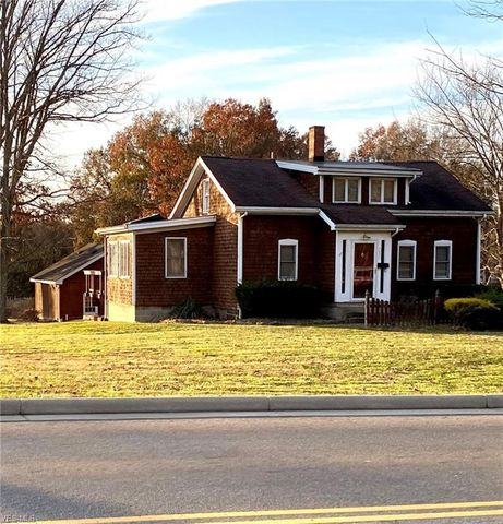 Photo of 350 N Broad St, Canfield, OH 44406
