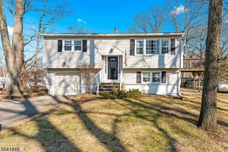 506 Benson Pl Roxbury Township, NJ 07850