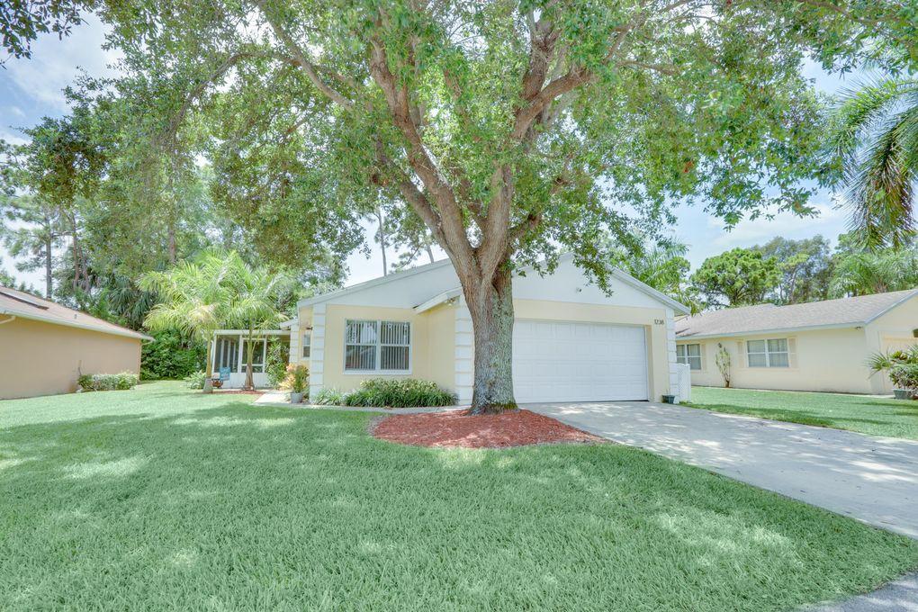 1238 Pine Sage Cir West Palm Beach, FL 33409