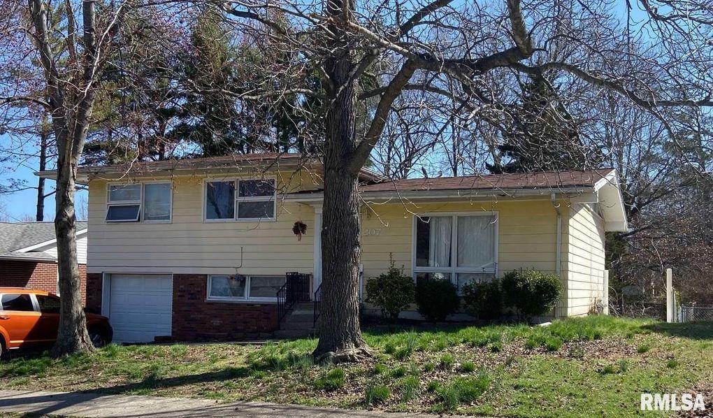 207 S Hewitt St Carbondale, IL 62901