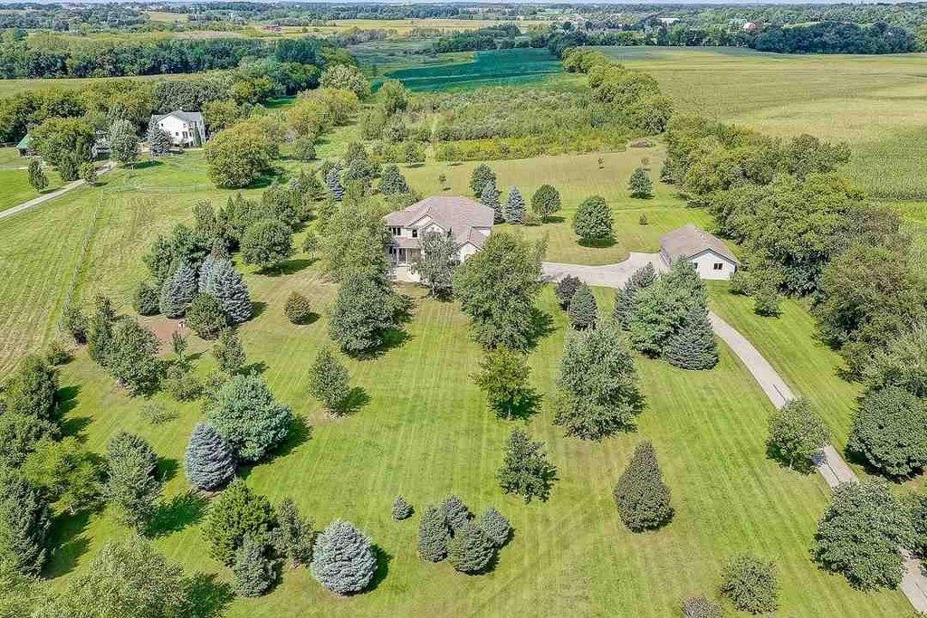 Farm land featured at 3180 Happy Valley Rd, Sun Prairie, WI 53590