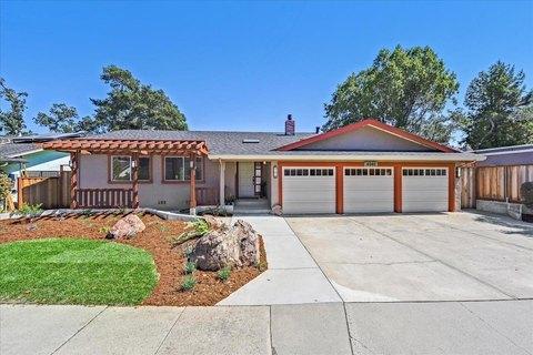 4040 Winkle Ave, Santa Cruz, CA 95065