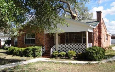 Photo of 799 Se Myrtle Ave, Live Oak, FL 32064