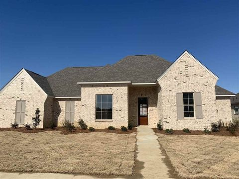 Photo of 437 Araglen Dr, Canton, MS 39046