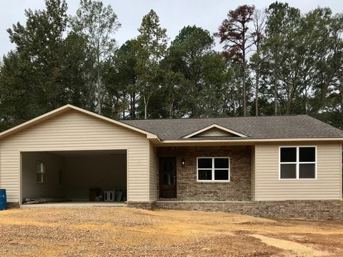 Photo of 103 Gemstone Dr, Winfield, AL 35594