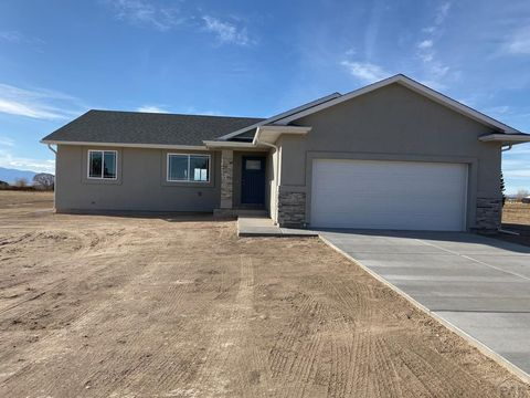 Photo of 923 S Bayonne Dr, Pueblo West, CO 81007
