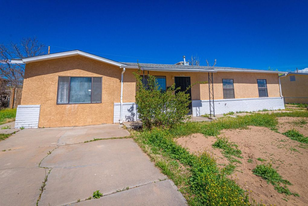 1106 W Ross Ave Belen, NM 87002