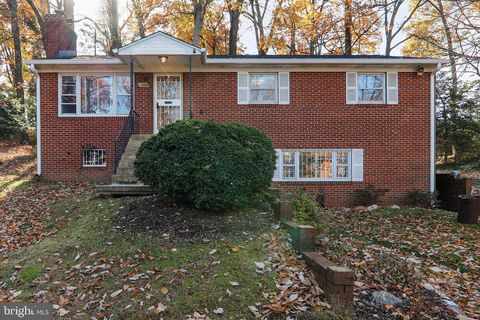 Photo of 5123 Boulder Dr, Oxon Hill, MD 20745