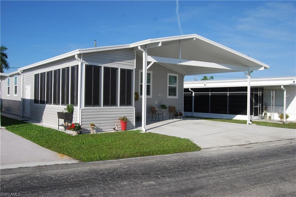 20620 Port Dr Estero, FL 33928