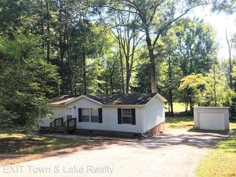 Photo of 408 Longwood Dr, Bracey, VA 23919